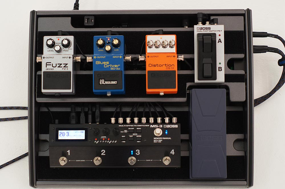 The MS-3 Multi Effects Switchers enables you to build a powerful custom pedalboard with a minimal footprint.